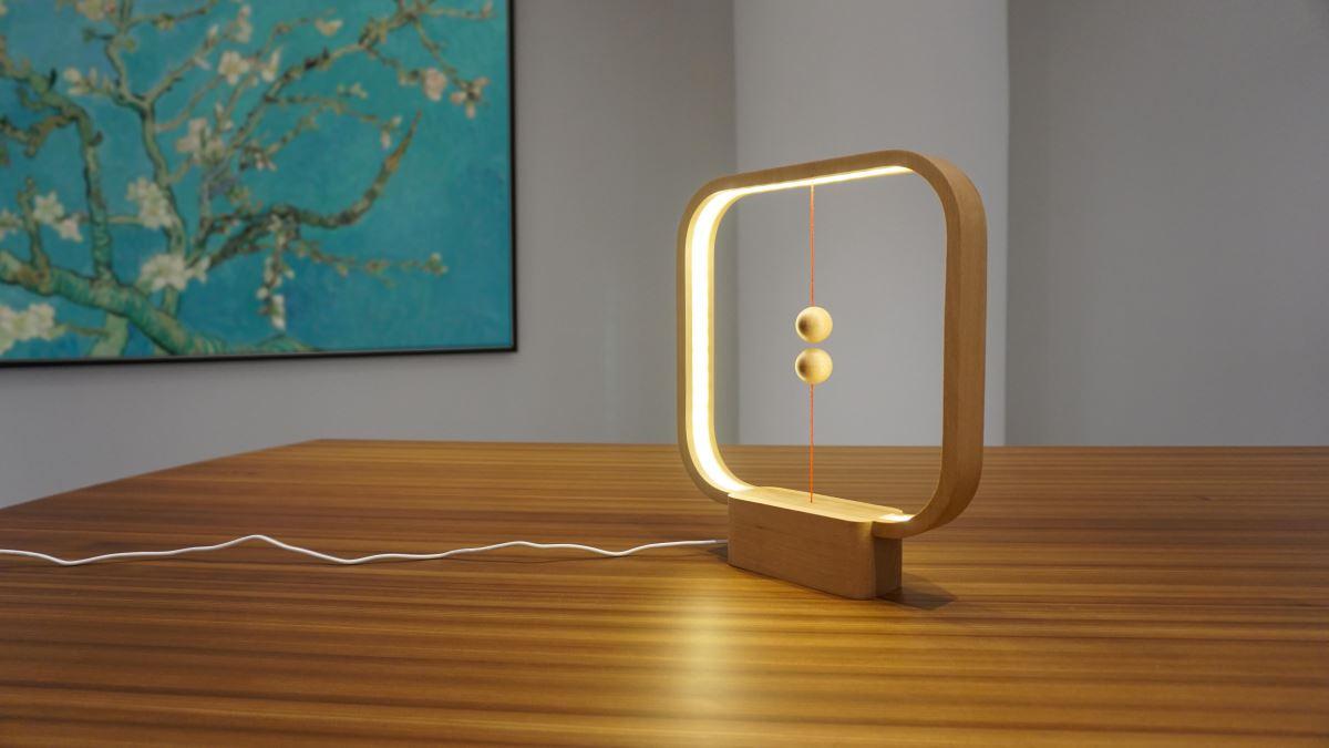 heng balance lamp - designer lampe mit schwebendem schalter led usb